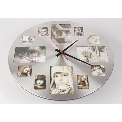 Nástěnné hodiny s fotorámečky